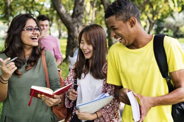 Morning Announcements in High Schools © fotolia / Rawpixel.com